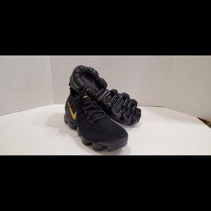 Nike Women's Vapormax Flyknit 2  942843-012 Sz 11